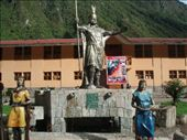 Inca statues in Aguas Calientes: by bec-simon, Views[1368]