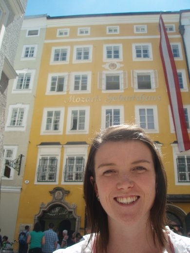Bec in front of Mozart's birthplace