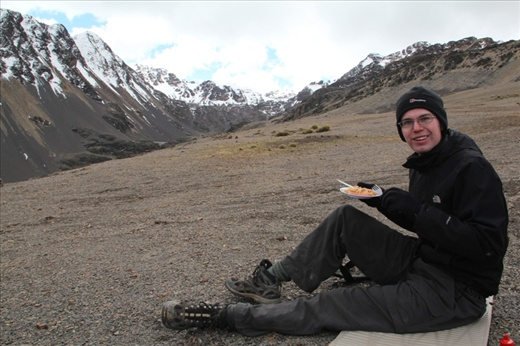 Trekking with a cook ensured good lunches: pasta and sauce