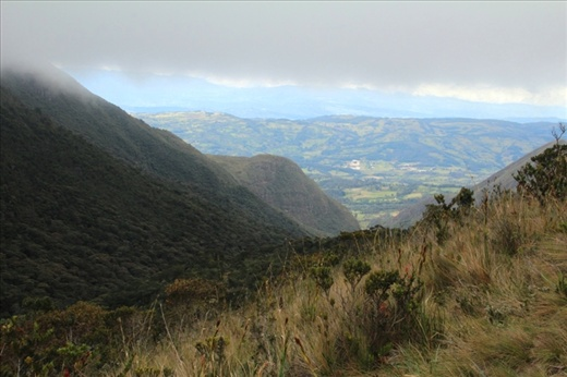 View back down to the valley from the descent from Laguna Iguaque