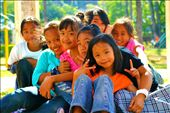 These young girls never forget to smile even they came from impoverished families. : by bestofme, Views[160]