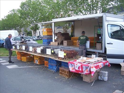 Coutures -- Brissac farmers' market.05