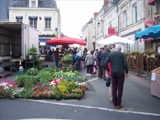 Coutures -- Brissac farmers' market.06