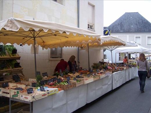 Coutures -- Brissac farmers' market.02