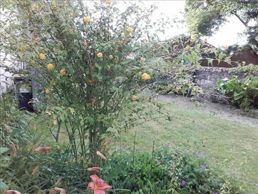 Coutures -- garden terrace