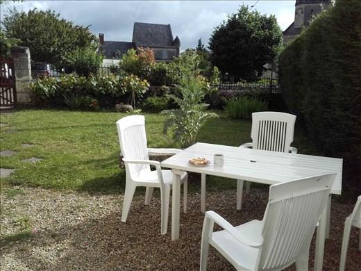 Coutures -- garden terrace -- morning breakfast
