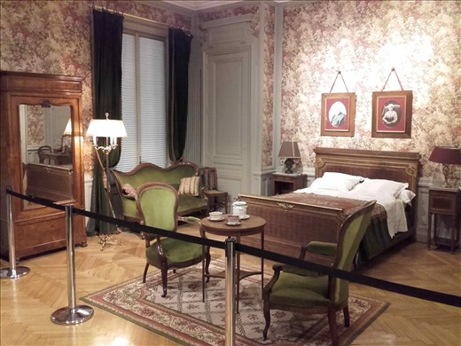 Lyon -- Lumiere brothers -- bedroom