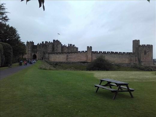 Alnwick Castle -- entrance
