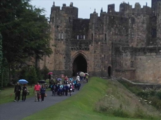 Alnwick Castle -- entrance.01