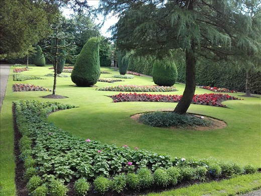 Direlton Castle -- formal gardens.02
