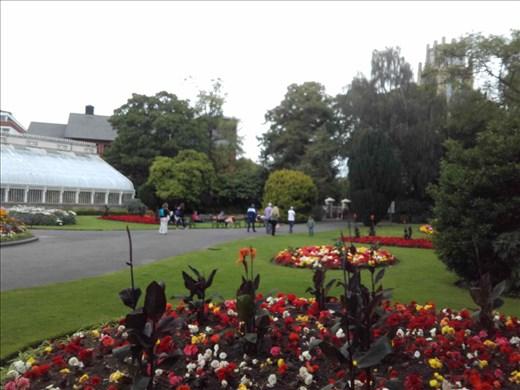 Ireland -- Belfast -- Botanic Gardens.01