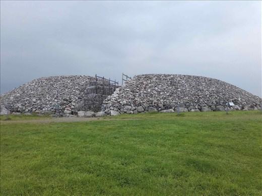 Ireland -- Carrowmore Neolithic mound.02