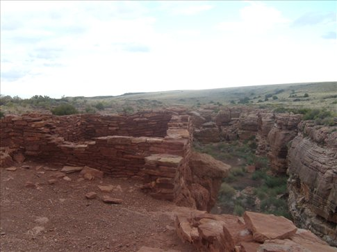 One of the most original, un-reinforced pueblos, overlooking Box canyon.