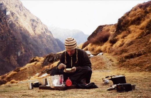 Scott 'cooking up a storm' at Khatalia camp (temperature sub zero)