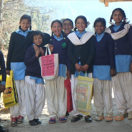 Eshoda, Dipiya, Bhajanti, Tara, Chandani, Leila & Manisha (part of Class 6) ready for school