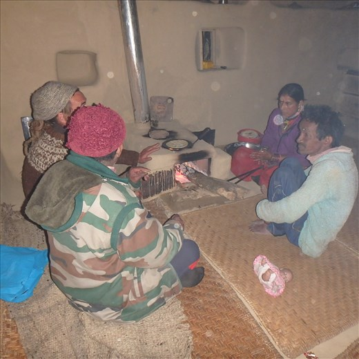 This was the first chulha built in Jatoli. Here the 'team' are discussing what the household and the villagers have had to say about the unit...