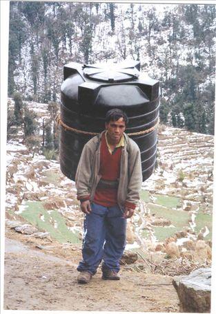 Kundun -  water tank delivery