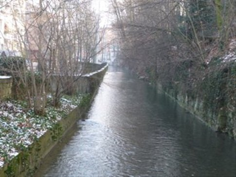 Canal around St. Alban