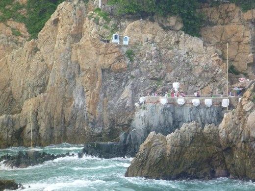 Quebrada cliff divers