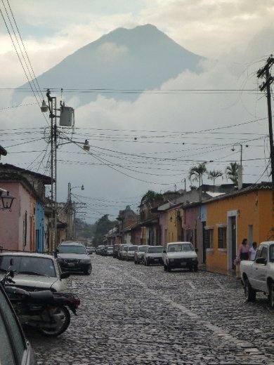 volcano el Fuego, towers above Antigua