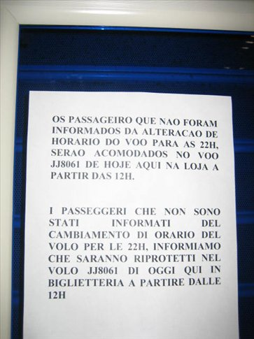 10 stunden flugverschiebung: info nur in italienisch und portugiesisch - bravo!