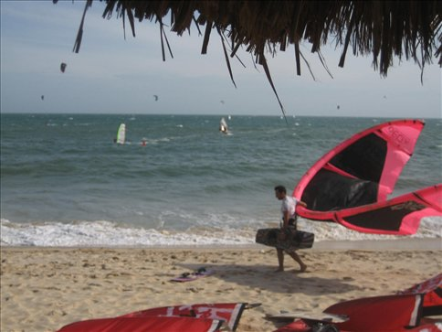 way out of focus, but you get the idea. When the wind got right up the windsurfers got out and had a ball as well