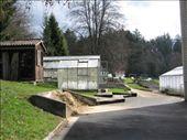 Hinterm Haus sind die Gewächshäuser und die kleinen Versuchsflächen: by caro, Views[180]