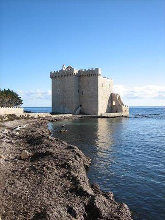 Ruined monastery on Ile St Honorat