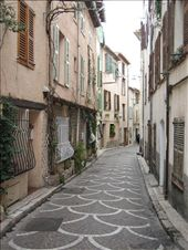 A typical cute residential street in Vieux (old) Antibes: by catherine_and_james, Views[370]