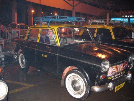 Luxurious Mumbai taxi