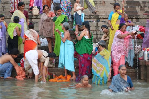 Ganges bath time. Ganges bath time    Varanasi   India   WorldNomads com