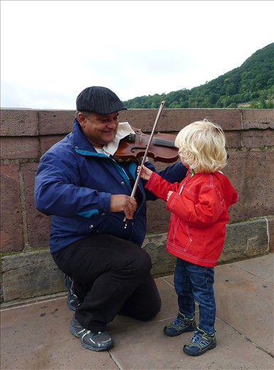 Another musical friend on the bridge in Heidelberg