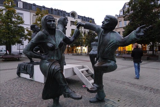 Fun dancing statues in one of the squares