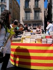 boekenstal voor Sant Jordi: by celine_in_barcelona, Views[171]