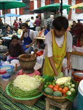 Chang Mai Sunday Market - making green papaya salad: by celinexiaolin, Views[302]