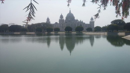 The Victoria Memorial- built in honor of Queen Victoria's diamond jubilee, it wasn't finished until 20 years after her death.