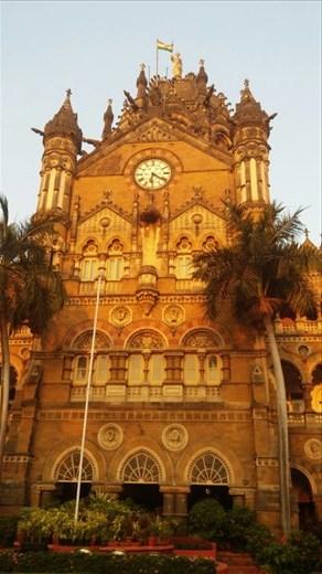 Mumbai central train station