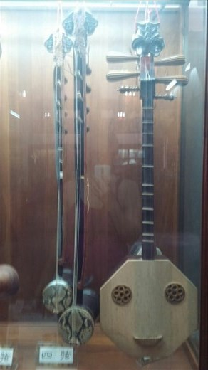 Musical instruments used during Confucius ceremonies
