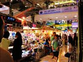 Panthip Plaza was full of software and computer gadgets..: by chanelle_ross, Views[299]
