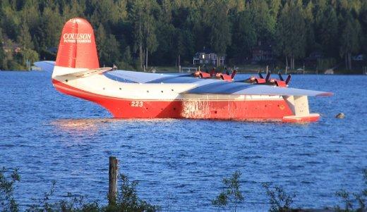 Fire fighting plane Lake Sproat