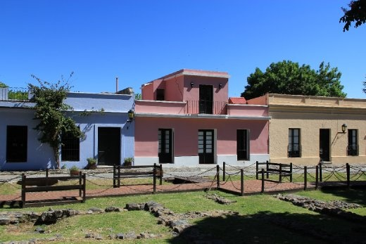 houses in Colonia