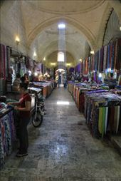 Buying more scarves in Urfa bazaar: by chris_and_dusk, Views[237]