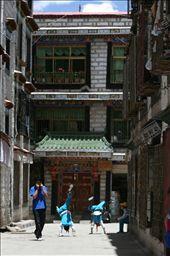 School kids in Lhasa Backstreets: by ciaraleddy, Views[155]