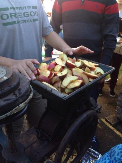 I got to see how to make apple cider! It's amazing! I just love that machine.