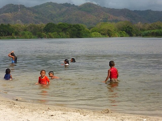 Kids swimming in river near Palomino - Fourth leg ...