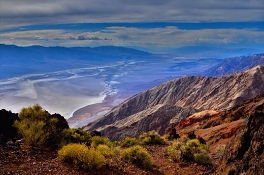 Death Valley - looking down from Dante's View