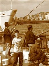 Fishing in the Golden Horn at Eminonou.  Lots of (little) fish to be caught.: by col_n_sue, Views[316]