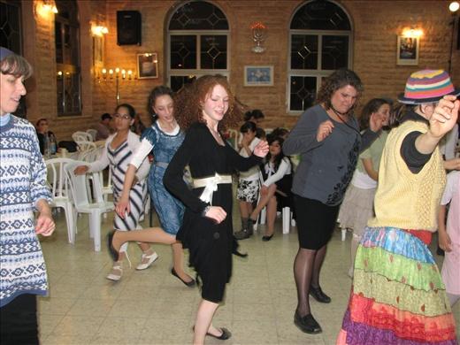 Seri dancing