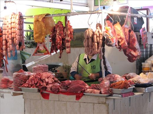 Sangolqui market