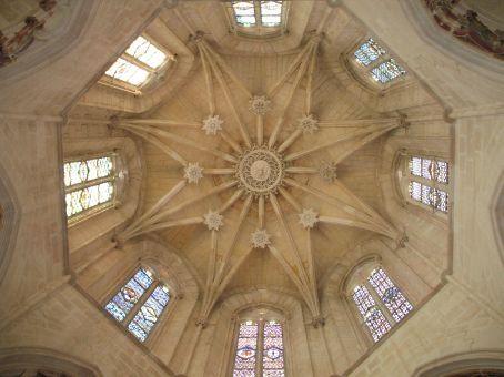 Inside the Batalha monastery dome